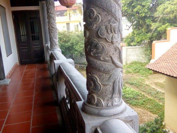Cột đá tự nhiên chạm khắc tinh tế chất lượng cao giá rẻ