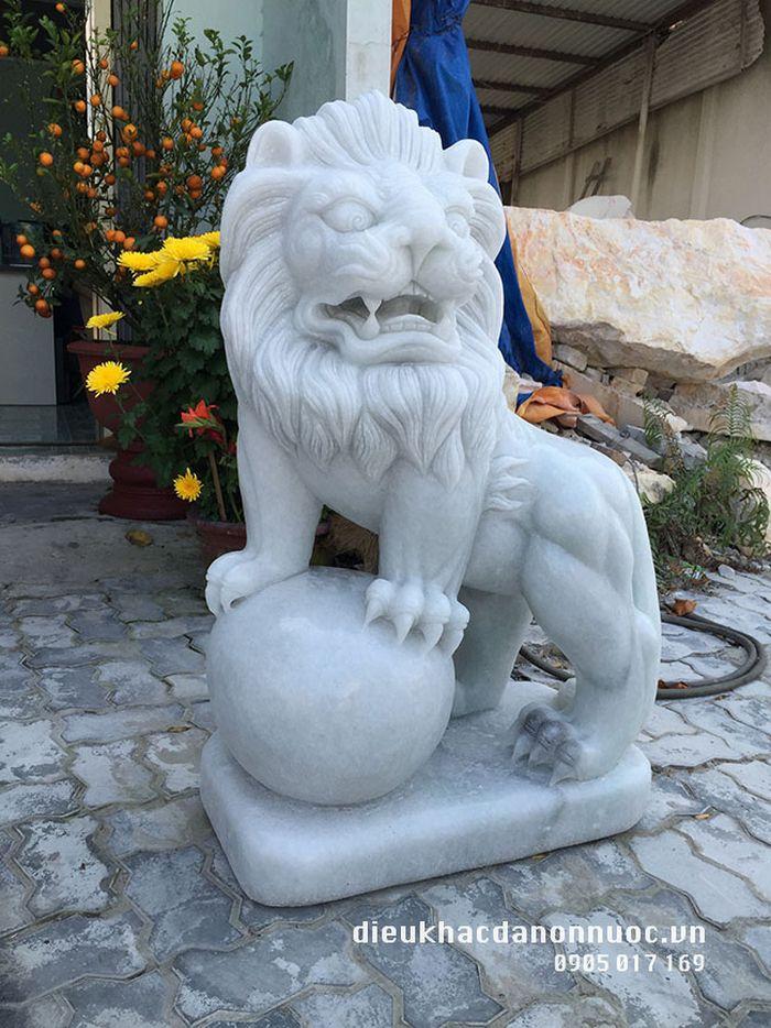 Ý nghĩa cặp sư tử đá? Có tác dụng gì trong phong thủy? Giá 1 cặp sư tử đá?