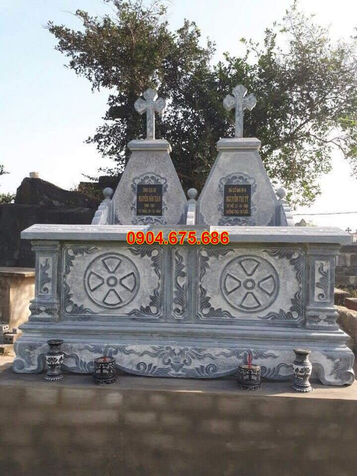 mộ đá đôi công giáo