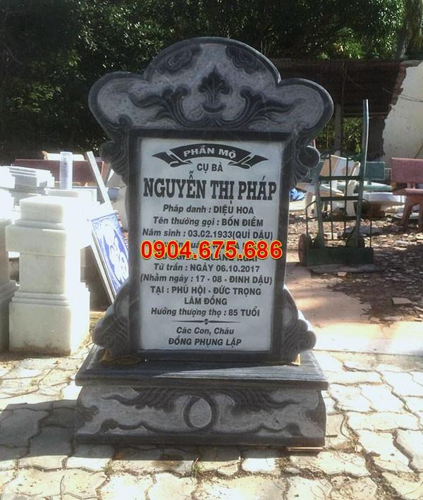 Bia mộ bằng đá xanh đen