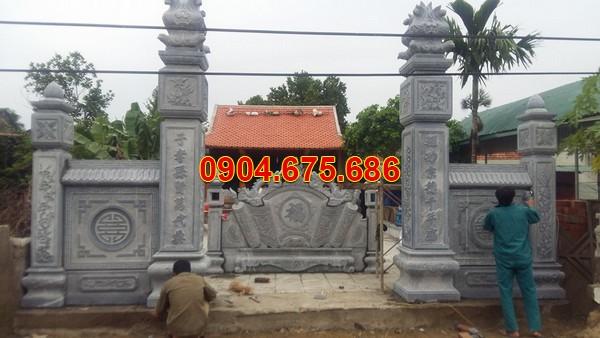 Cổng đá nhà thờ tổ