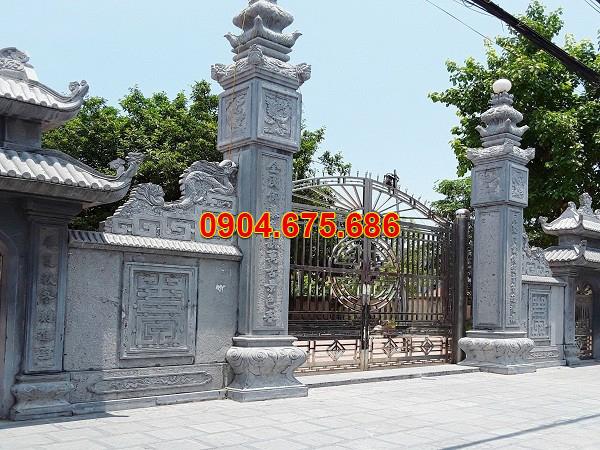 Cột cổng nhà từ đường