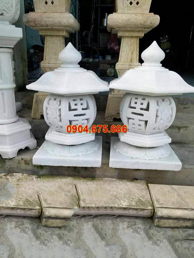 Mẫu đèn sân vườn bằng đá