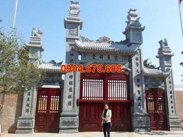 Cổng đền, chùa bằng đá đá