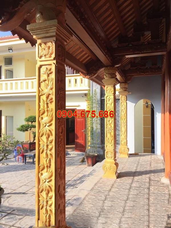 Cột nhà đá vàng