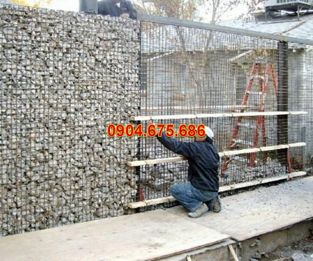 Làm hàng rào bằng đá cuội