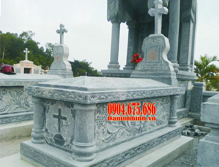Mộ đá công giáo chạm khắc tinh xảo
