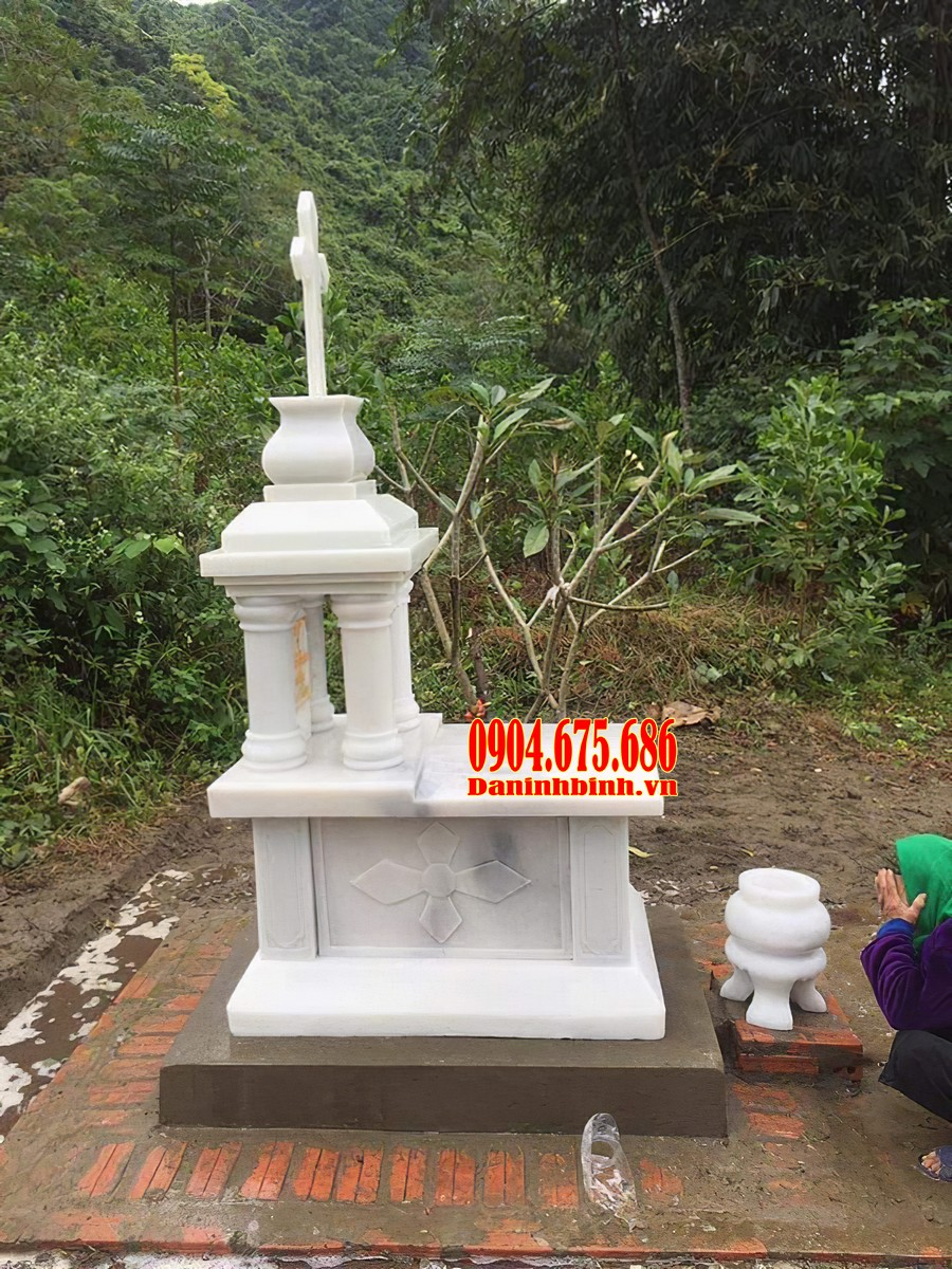 Mẫu mộ công giáo bằng đá trắng
