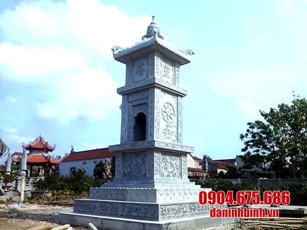 Mộ tháp đá tự nhiên