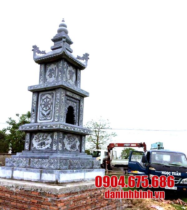 Mộ tháp đá xanh tự nhiên