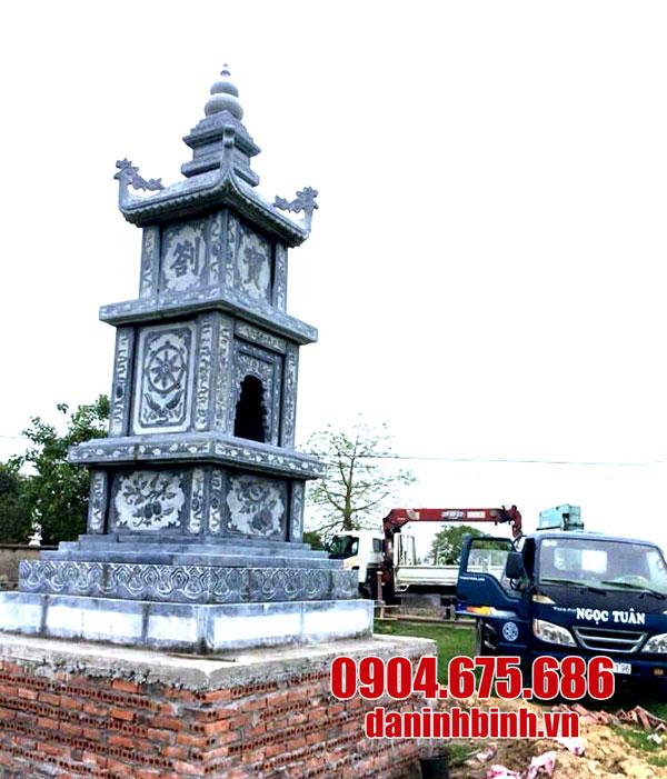 Mộ tháp bằng đá xanh tự nhiên