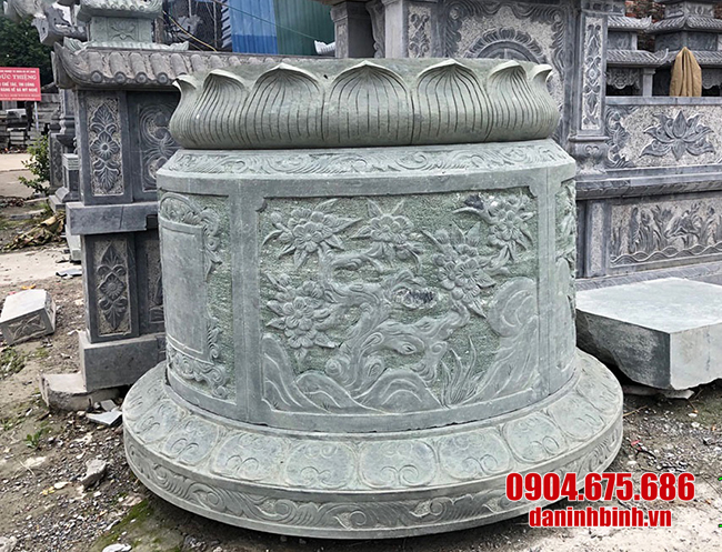 Mẫu mộ tròn bằng đá xanh rêu