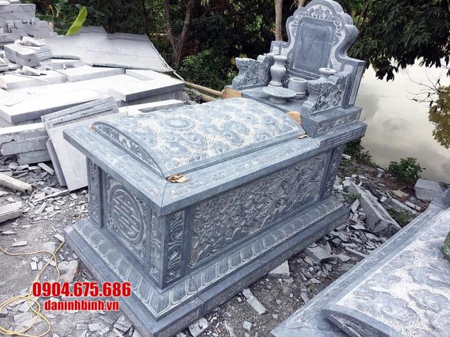 mộ tam sơn đá không mái tại bình phước