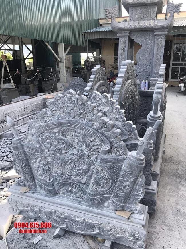 cuốn thư bằng đá tại Bắc Giang