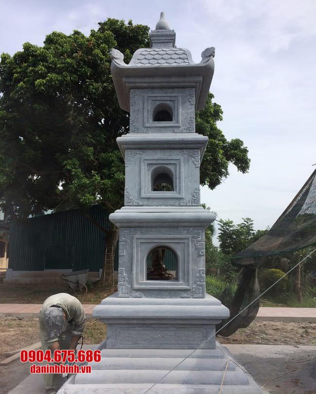 mẫu mộ đá hình tháp tại Quảng Bình
