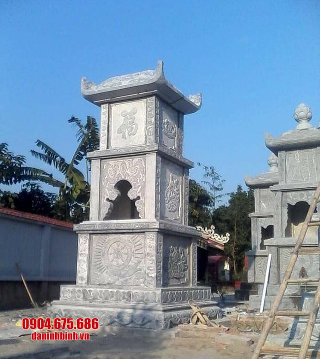 Mộ hình tháp phật giáo bằng đá tại Khánh Hoà