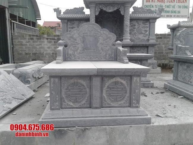 mộ đôi đá mỹ nghệ tại Phú Yên