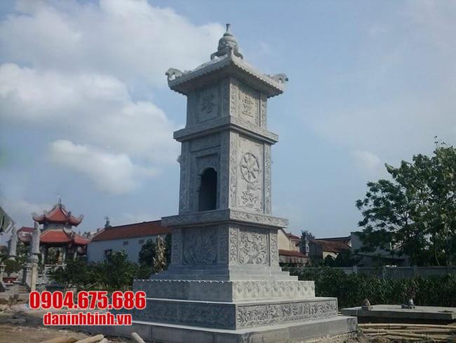 mộ tháp đá đẹp tại Bình Định