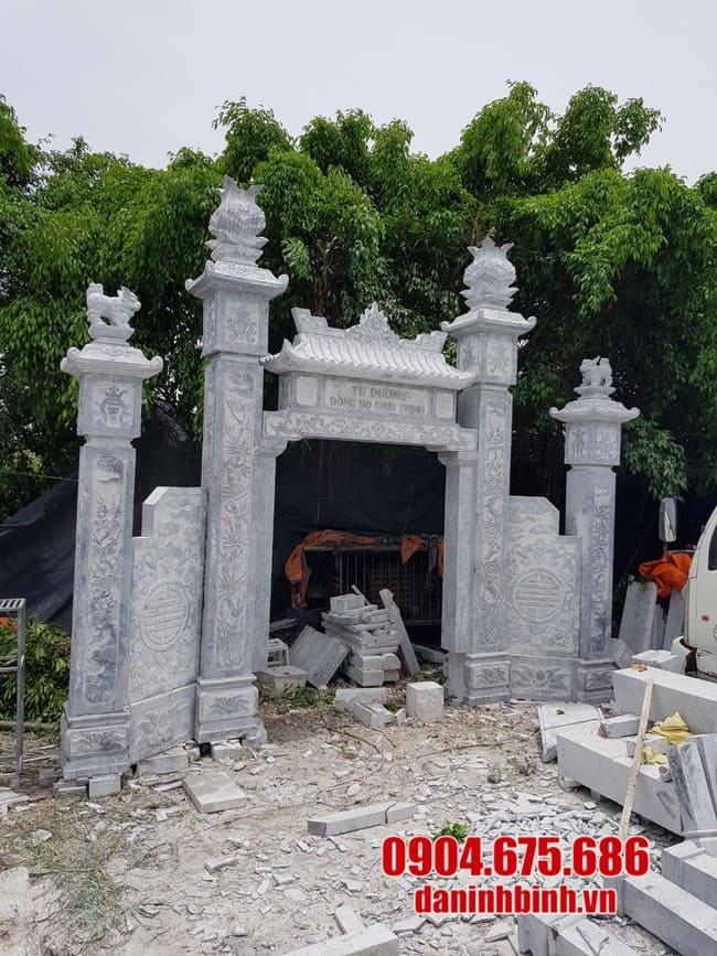Đặc điểm của cổng đá nhà thờ họ