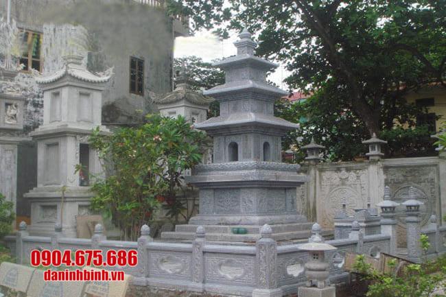 mẫu mộ đá hình tháp tại Bình Thuận