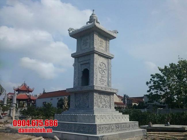 mẫu mộ đá hình tháp tại Kon Tum đẹp