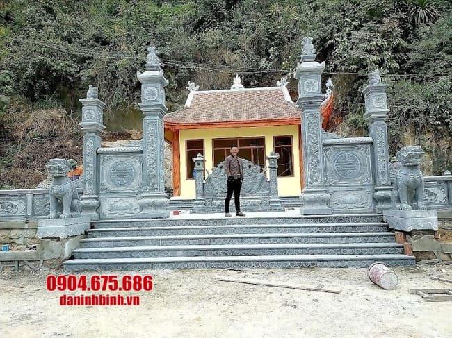 cổng nhà thờ họ bằng đá tại Hải Dương