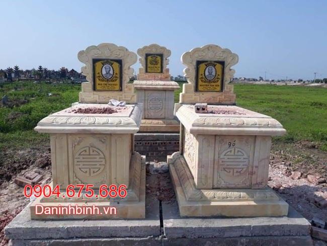 Mẫu mộ đôi bằng đá vàng tại bạc liêu