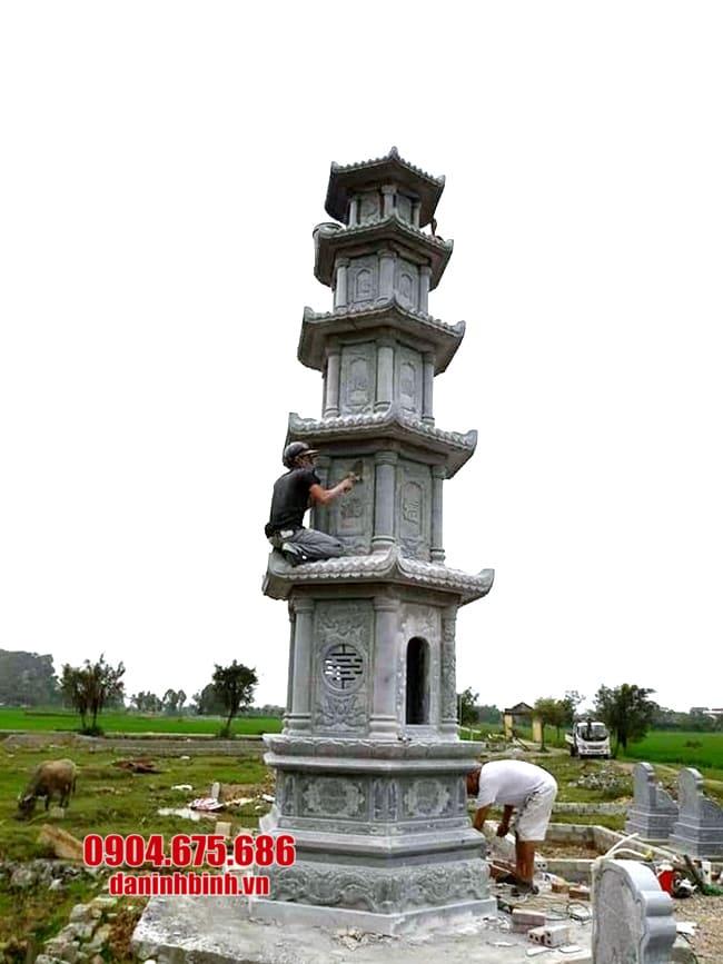 mộ tháp đá để tro cốt tại Vĩnh Long