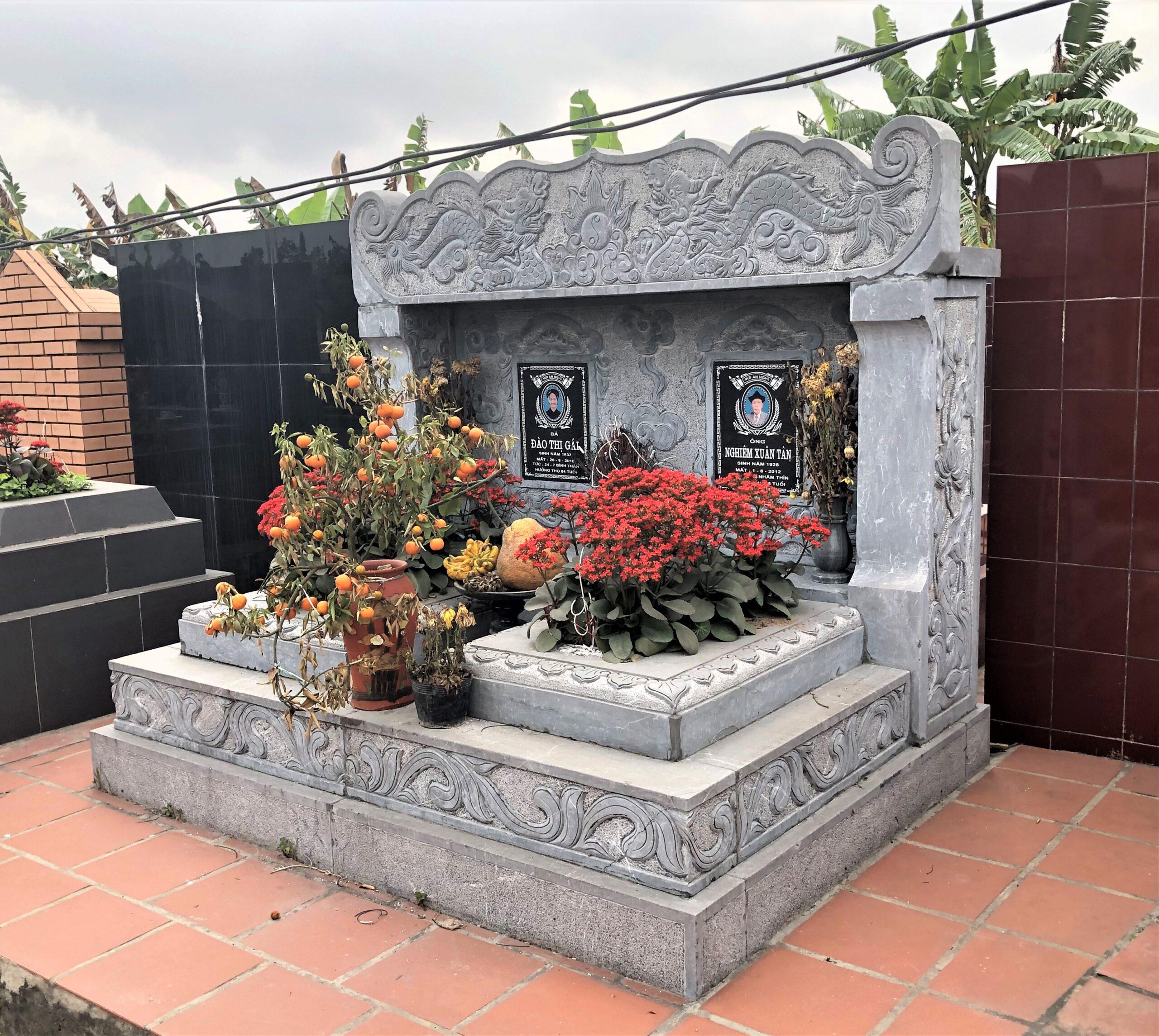 Xây mộ bố mẹ bằng đá tự nhiên