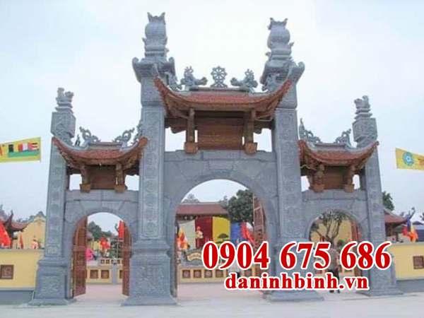 Kiến trúc cổng tam quan chùa bằng đá
